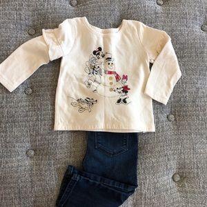 Adorable Disney baby gap sweatshirt 18-24 months